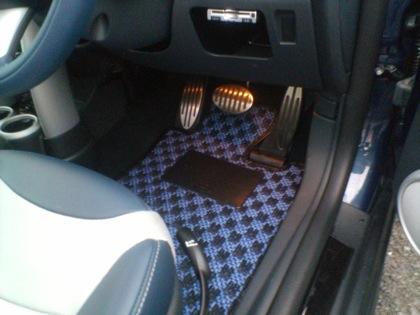 カロマット:運転席の足下