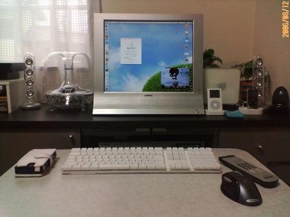 リビングに鎮座するMFM-HT95とMac mini